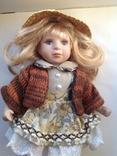 Фарфоровая кукла в соломенной шляпе, фото №2