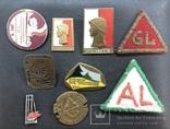 Иностаррые бронзовые значки, фото №2