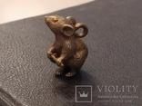 Крыса с хвостом Символ 2020 года бронза брелок коллекционная миниатюра, фото №2