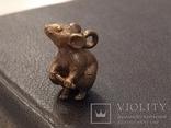 Крыса с хвостом Символ 2020 года бронза брелок коллекционная миниатюра, фото №6