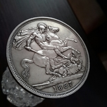 1 крона, 1887 год, Великобритания, серебро Масса: 28 г Диаметр: 39 мм, фото №2