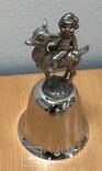 Металлический колокольчик с мальчиком на козленке, фото №2