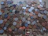 Большая Гора иностранных монет без наших.