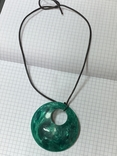 Большой винтажный кулон зелёного цвета на шнурке, фото №3