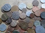 Большая Гора иностранных монет без наших. 323 штуки фото 5
