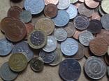 Большая Гора иностранных монет без наших. 323 штуки фото 10