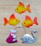 Елочные игрушки мышка, лебедь, рыбки. картон и пластмасс, ссср. 5 штук., фото №2