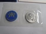1 Доллар 1973г  в запайке с жетоном, в конверте, фото №3