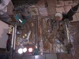 Уборка в гараже. Инструмент, лампа, домкрат....., фото №2