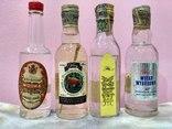 4 коллекционных мини бутылочки водки Vodka 60-80 годов, фото №2