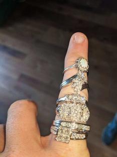 Игра-головоломка с секретом принесла молодой паре из Австралии 6 колец с бриллиантами