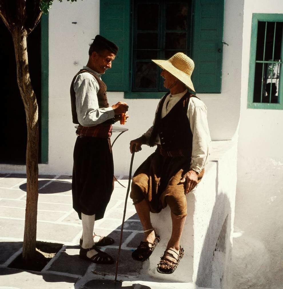 Ловили рыбу и продавали бублики — как жили греки в 1960-е годы