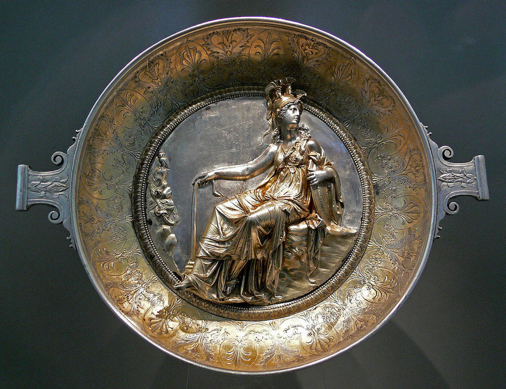 War trophies or cutlery: what is the true purpose of the items from the Hildesheim treasure?
