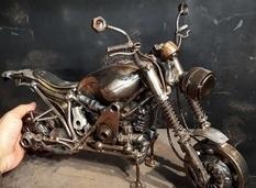 Incredibly detailed scrap metal sculptures