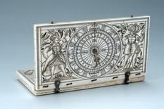 Солнечные часы-диптихи XVI-XVII веков: подборка фото