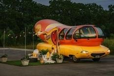 Ночь среди горчицы и кетчупа, или удивительный автомобиль-хот-дог