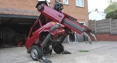 Британский художник превратил машину в робота