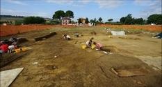 Колесница и оружие: в Италии обнаружили могилу, наполненную артефактами