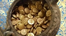 A large hoard of gold coins has been discovered in India