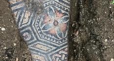 В Италии ведутся раскопки древней мозаики
