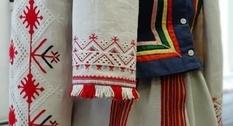 В Славутиче проходит выставка национальных костюмов