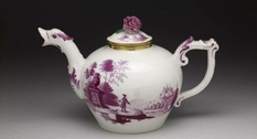 Vintage teapots from the collection of the Aug Franks