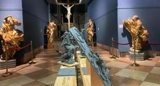 Во Львове открыли выставку со скульптурами для незрячих