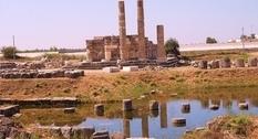 Древнегреческое святилище: руины Летоона