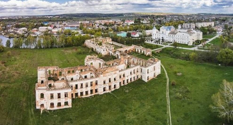 Серьезная угроза: дворец князей Сангушко может исчезнуть навсегда