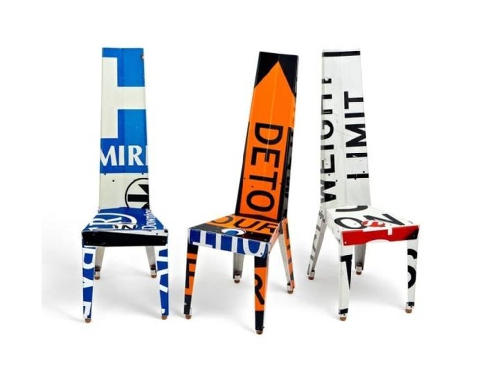 Стильная и современная мебель из дорожных знаков