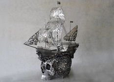 """Openwork"" scrap metal: sculptures in the style of the Renaissance Age"