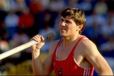 This Ukrainian has 35 world records