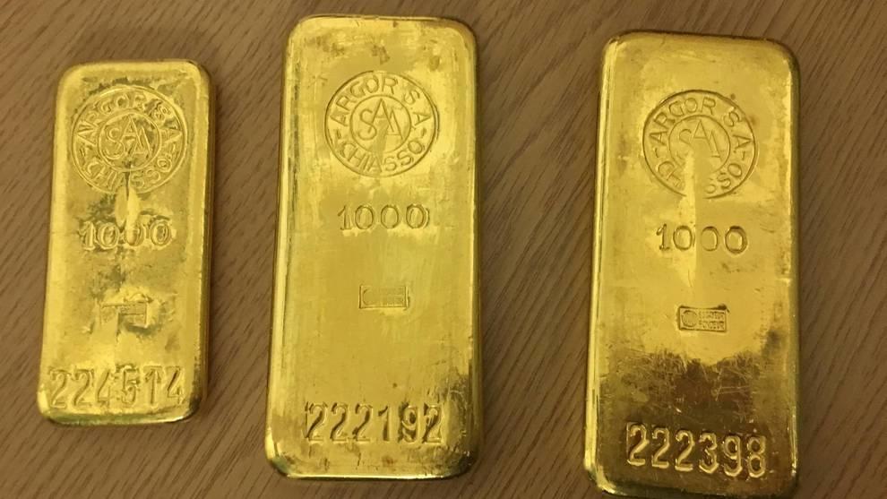 Клад из старого шкафа: житель Бремена нашел золотые слитки и отнес их в Бюро находок