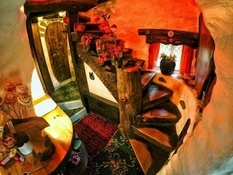 The hobbit house, or what is a Tolkien fan ready to do?