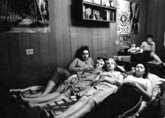 Советские общежития: как жили студентки и не только?