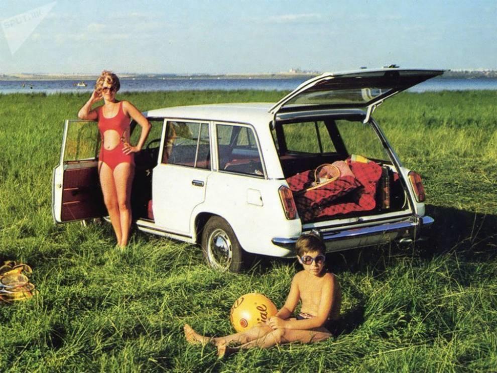 Как рекламировали автомобили в СССР?