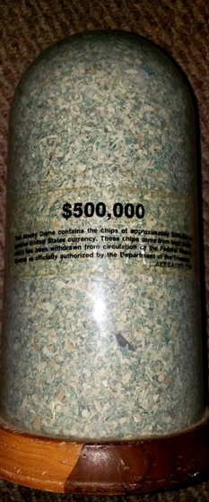 American found 500,000 dollars in small pieces