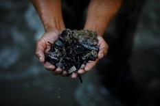 Дізнайтеся, як проходить металопошуку на звалищах Гватемали