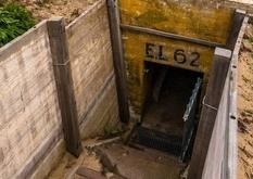 Підземне місто нацистів з невеликою колекцією предметів часів Другої світової війни