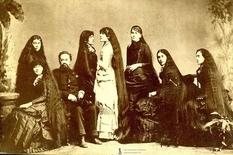 «Рапунцелі» XIX століття в добірці історичних знімків