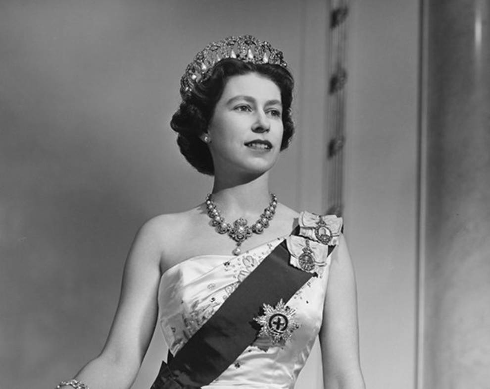королева англии елизавета фото в молодости бортами