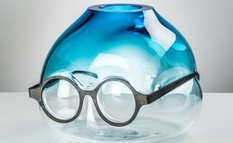 Provocative vases with glasses