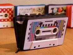 Модні гаманці зі старих аудіокасет