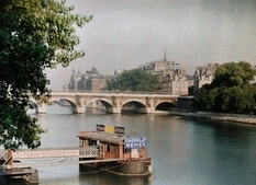 The epicenter of art and progress: a photo of Paris in 1923
