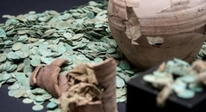 Coin hoard of medieval coins found by search engines from Germany