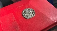 Находка пятилетней давности: во Франции обнаружили 14 тыс. средневековых монет