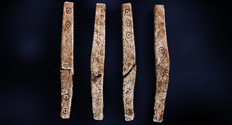 An ancient game was discovered in a burial site from the Scandinavian iron age
