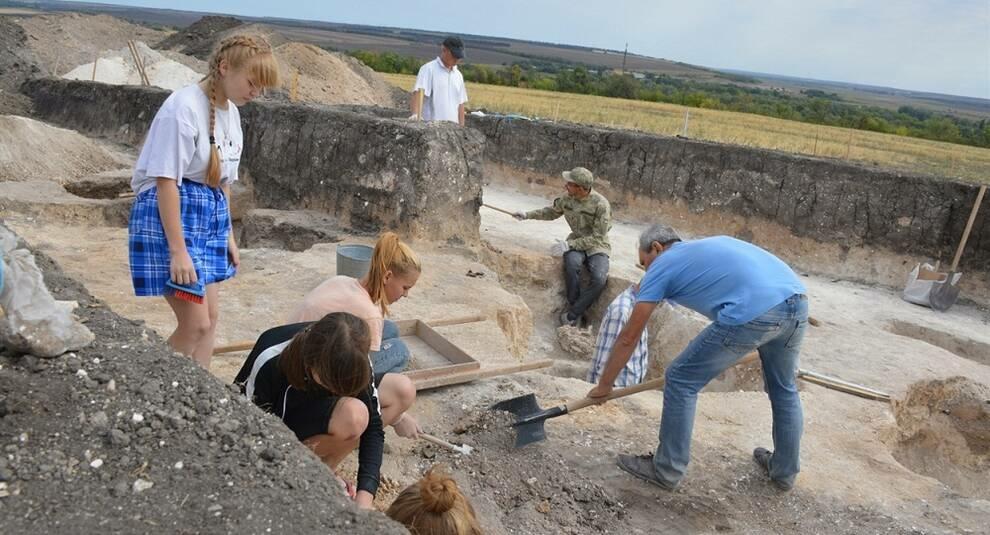 Захоронения и артефакты возрастом 4 тыс. лет нашли в Нижней Дуванке (часть II)
