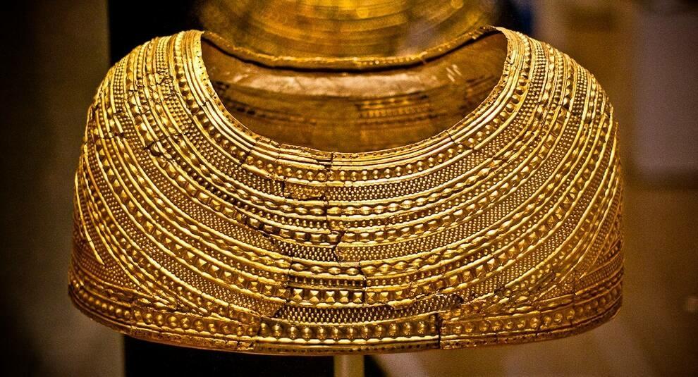Искусство бронзового века: пелерина из Молда