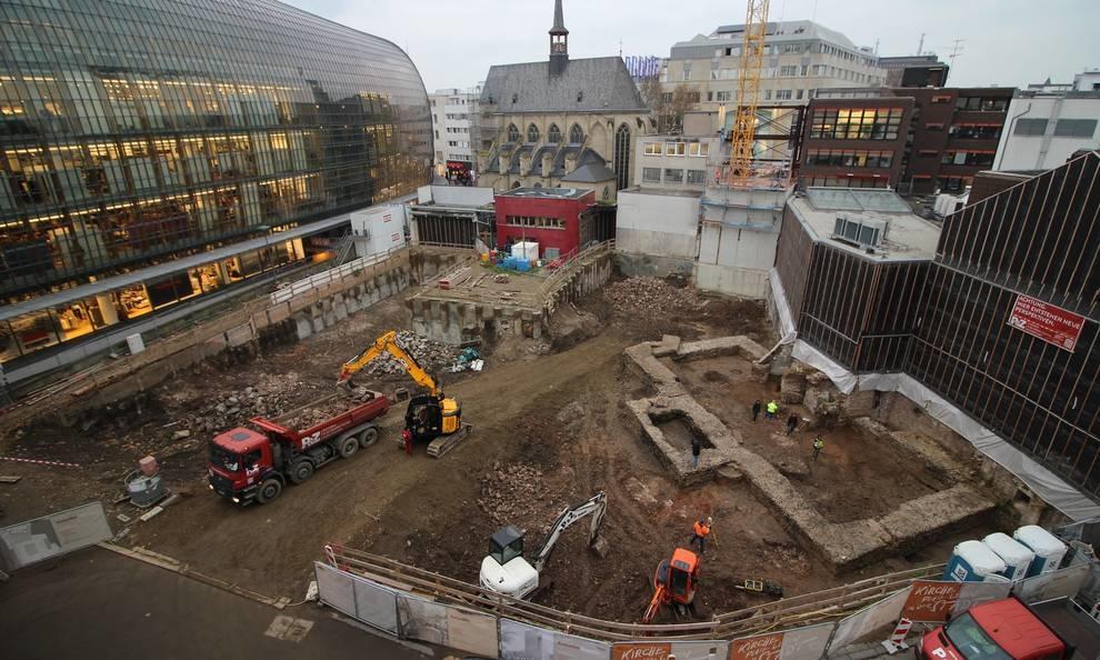 В центре немецкого Кельна были найдены стены старейшей библиотеки страны